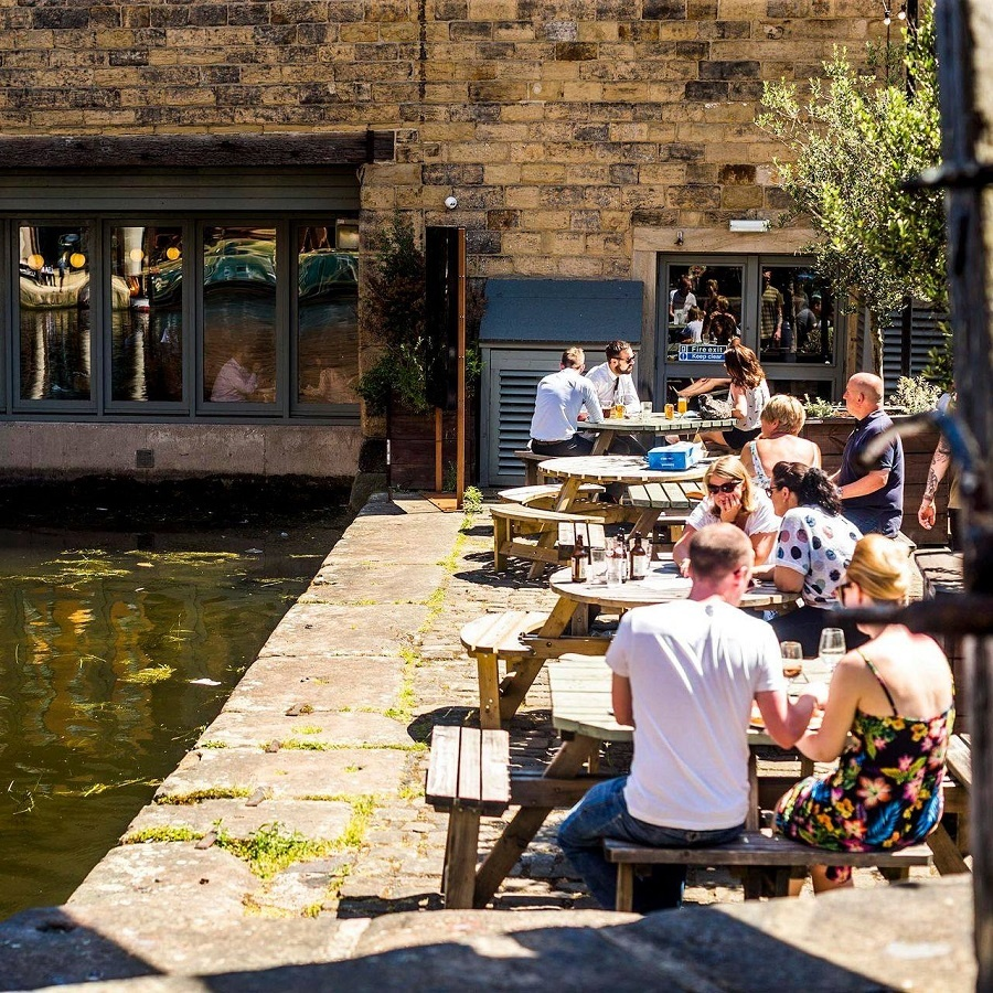 Outdoor seating at Water Lane Boathouse