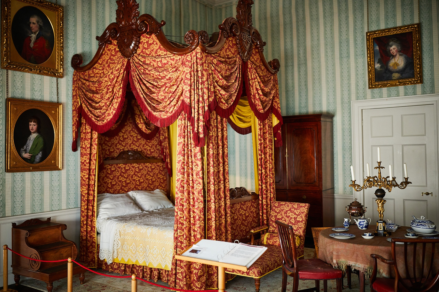 A bedroom at Temple Newsam - credit Leeds Museums and Galleries