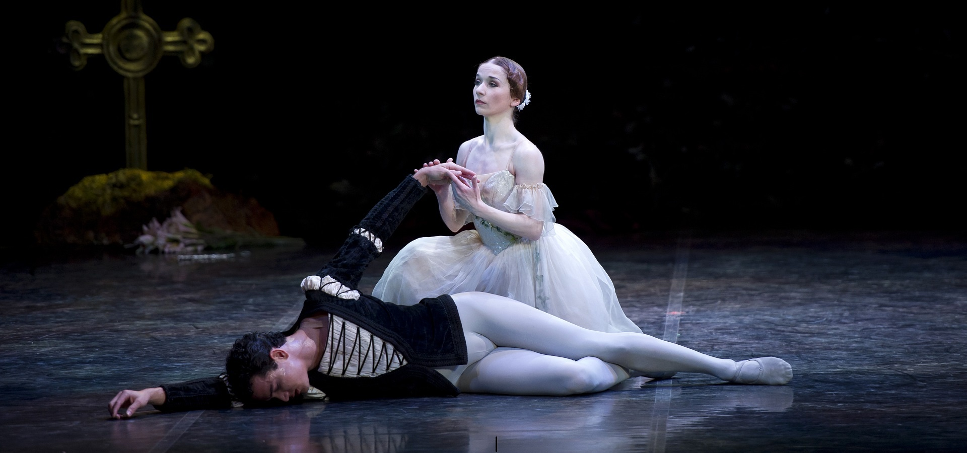 Pippa Moore as Giselle and Javier Torres as Albrecht in Giselle. Photo Bill Cooper